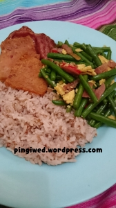 red white rice with baby buncis cah bawang putih, ham maling & smoked beef