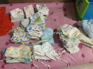 baju2, gurita bayi, celana2, kaos kaki, popok kain from ci Mey2